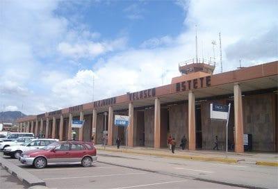aeropuerto_alejandro_velasco