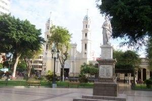 800px-piura_plaza_de_armas
