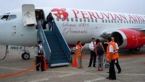 peruvian-airlines-plane-in-iquitos